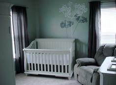 chambre de bébé mixte en nuances vertes