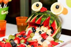 Fruit salad at a Monster Party monsterparty fruitsalad . Monster Birthday Parties, Birthday Bash, Birthday Ideas, Baby First Birthday, First Birthday Parties, Halloween Birthday, Halloween Stuff, Halloween Halloween, Halloween Treats