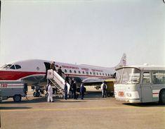 Transportes Aéreos Portugueses, Lisboa (M. Novaes, c.1970) Sud Aviation, Lisbon Airport, World Pictures, Aircraft Design, Lisbon Portugal, Vintage Design, Gliders, Vehicles, Photography