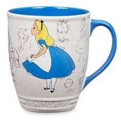 La nostra tazza di Alice nel Paese delle Meraviglie è perfetta a qualsiasi ora e con qualsiasi compagnia! Parte della collezione Animation, questa elegante tazza è decorata con una classica immagine stile bozzetto di Alice.