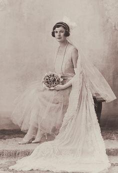 +~+~ Vintage Photograph ~+~+  Stunning 1920's bride