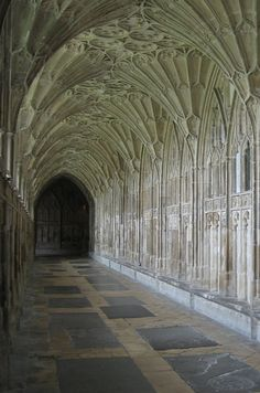 """Hogwarts' corridors (Gloucester Cathedral's cloisters, Gloucestershire and New College's cloisters, Oxford University) 