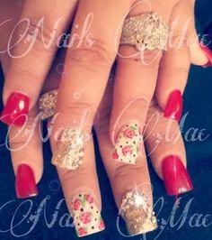 Uñas rojo dorado y blanco