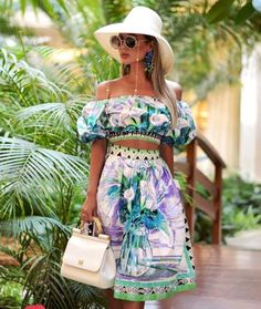 Wanna look more feminine like Rita Tesla? Then invest in these three types of dresses every woman must have in her wardrobe. You'll look great! Resort Wear For Women, Fashion News, Fashion Outfits, Summer Outfits, Summer Dresses, Floral Fashion, Types Of Dresses, Short, Street Style Women