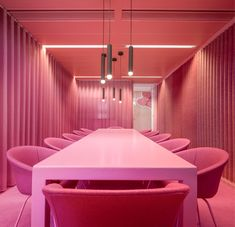 Aidsfonds SoaAids Netherlands by Hollandse Nieuwe - a colorful meeting room reflects the organisation and people of Aidsfonds SoaAids Netherlands. This pink is one of many colors used extensively throughout the office Bucket Chairs, Pink Office, Office Meeting, Office Interiors, Decoration, Brainstorm, Office Decor, Netherlands, Interior Design