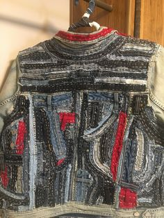 Women's size This DNKY denim jean jacket has been upcycled and re-designed uniquely you. Hand-stitched creating a streetwear and distressed look. Denim Jeans, Patched Jeans, Estilo Denim, Denim Fashion, Couture, Upcycled Clothing, Clothing Hacks, Boro, Vintage Denim