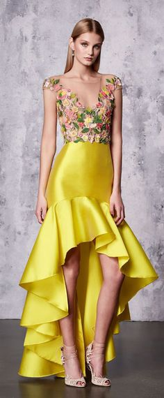 Visit the Marchesa Sample Sale May - from to at 37 W st - floor. Boho Outfits, New Outfits, Fashion Outfits, Pencil Skirt Casual, Mode Boho, Classy Casual, Marchesa, Gypsy Style, Dress Skirt