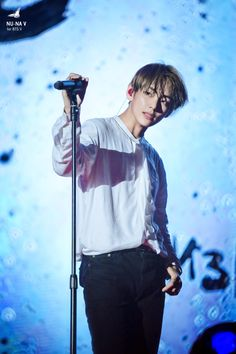 V 뷔 || Kim Taehyung 김태형 || TaeTae || BTS || 1995 || 178cm || Vocal || Actor >>> BIAS