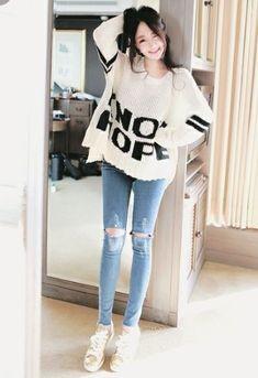 Adore these korean fashion outfits Korean Casual, Korean Fashion Casual, Korean Fashion Trends, Korean Street Fashion, Ulzzang Fashion, Korea Fashion, Kpop Fashion, Korean Outfits, Mode Outfits