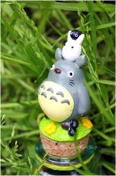 polymère, polymer, fimo, pâte, clay Création inspirée du film d'animation japonais (japanimation) : Mon voisin Totoro Crédits : http://browse.deviantart.com/
