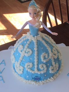 Elsa doll cake from frozen