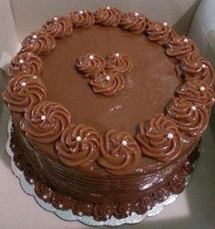 Queque de chocolate con lustre de dulce de leche