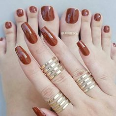 Ideas For Summer Pedicure Girls Pretty Toe Nails, Sexy Nails, Pretty Toes, Gorgeous Nails, Cute Nails, Nail Colors For Pale Skin, Nail Paint Shades, Classic Nails, Nagellack Trends