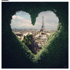 We're finding love everywhere in Paris. <3