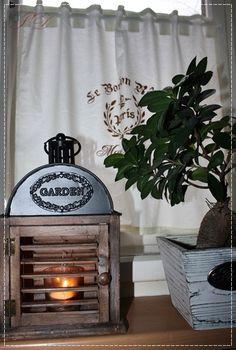 Záclonka - Francie Bavlněná záclonka , ručně malovaná. Možnost vlastního výběru motivu a barvy. Lze prát v pračce na 30°. Cena za 1 m