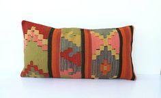 Almohada de Kilim  -Vintage -Antiguo -Pura lana en frente -Tejido a mano -30 x 60 cm / 12 x 24 pulgadas  -Limpieza en seco -Colorante orgánico  -entrega al día 3 negocios en todo el mundo