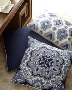 -3LAQ Blue & White Pillow Collection
