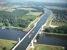 """Paisajes Increíbles en Twitter: """"Un río sobre otro río, Puente Magdeburg…"""