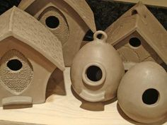 Clay Pottery Bird Houses - Bing Images - would be a great spring art project next year! Ceramic Houses, Ceramic Birds, Ceramic Clay, Ceramic Studio, Pottery Houses, Clay Birds, Stoneware Clay, Hand Built Pottery, Slab Pottery