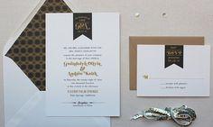 Invitaciones de boda, Invitación moderna de la boda, Urban Chic, retro, Negro y habitación de la invitación de la boda de oro - Banderín Label Muestra
