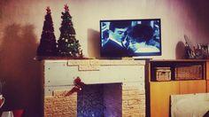Декоративный камин своими руками. Новогодний декор. #камин #новогодняяёлка #новогоднийдекор #Xmas #fireplace #Xmastree #red&gold