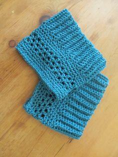 A Peek of Cozy: Boot Cuff Pattern-- Boot Cuffs tutorial! Crochet Boots, Crochet Gloves, Crochet Slippers, Knit Or Crochet, Crochet Crafts, Easy Crochet, Crochet Projects, Free Crochet, Beginner Crochet