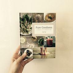 PURE GOODNESS er enkle og velsmagende opskrifter til dig, der gerne vil leve og spise sundt. Alle opskrifterne er glutenfri og sukkerfri og særligt velegnede som detox eller diæt, hvis man har problemer med fordøjelsen, træthed eller overvækst af candida.  Følg Tanja Tings flotte, inspirerende blog på >> www.tanjating.com
