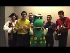 The Wiggles ~ Back Stage Singing Jingle Bells!