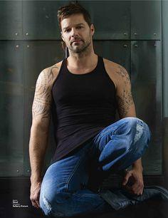 Hello Goooorgeous! Ricky Martin Oficial, via Flickr