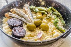 11 comidas típicas de Almería que tienes que probar - TusCasasRurales.com Gazpacho, Chicken, Food, Gastronomia, Snap Peas, Oil, Beverages, Recipes, Tomatoes