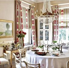 Room of the Day ~ cocoa-colored walls & Brunschwig & Fils print on drapes and shades, parquet floor and white accents Dining Room Drapes, Elegant Dining Room, Dining Rooms, Custom Window Treatments, Elegant Homes, My Living Room, Living Spaces, Beautiful Interiors, Fine Dining
