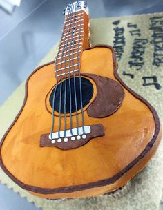 Guitar cake. I LOVE THIS!!! I'm going to make it! Erin would love this.