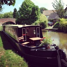 """<a href=""""http://www.thebookbarge.com/"""" target=""""_blank"""">The Book Barge</a>, Staffordshire"""