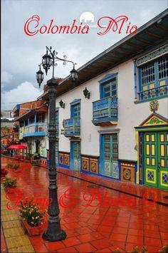 Guatape, pueblo de    El Peñol en  COLOMBIA MIA