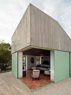 Concrete house by Langarita-Navarro