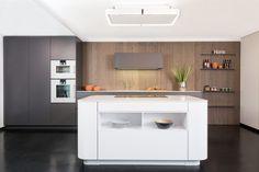 Pocketschrank Rational Tio Grifflos Weiße Küche Mit Grau Und Holz