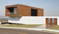 exterior-Casa_LA-Guilherme_Torres