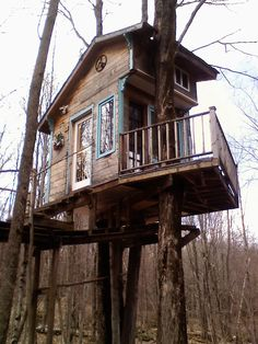 Tiny treehouse in Lincoln, Vermont.