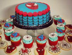 Spiderman, set de torta+galletas+cupcakes www.celebracionescba.com.ar
