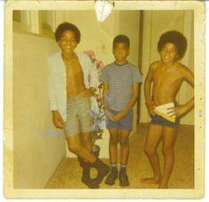 Marlon, Michael, and a friend - Jackson 5 Era The Jackson Five, Jackson Family, Janet Jackson, Paris Jackson, Joseph, Michael Jackson Rare, Like Mike, King Of Music, The Jacksons