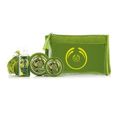 Make someone feel beautiful from head to toe. Filled with fruity strawberrry scented treats, this sweet set makes for an ideal gift. All Gifts, Hand Cream, The Body Shop, Body Butter, Shower Gel, How To Feel Beautiful, Continental Wallet, Bath And Body, Zip Around Wallet