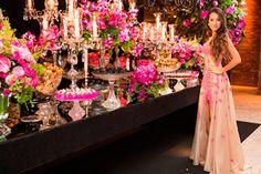 Orquídeas en la mesa de tu fiesta de 15 años Quinceanera Decorations, Wedding Decorations, Debutante Dresses, Sweet Fifteen, Sweet 15, Winter Wonderland Party, 10th Birthday Parties, Hollywood Theme, Bridesmaid Dresses