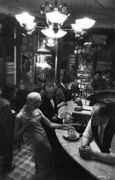 Les Halles, Paris (1957). Photo: Frank Horvat.