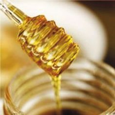 Manuka Honey  Harvested on the South Island, New Zealand, Manuka honey is naturally biocidal due to the tea tree habitat. It soothes and desensitises the scalp reducing irritation caused by regular hair treatment.