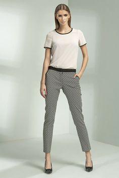 Pantalon ajusté, coupe cigarette, motifs losange.