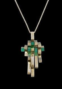 Helge Narsakka for Kaunis Koru, vintage sterling silver pendant, with square rods of silver and chrysoprase, Finland, Modern Jewelry, Jewelry Art, Antique Jewelry, Vintage Jewelry, Jewelry Design, Jewellery, Silver Rings With Stones, Silver Bars, Silver Earrings