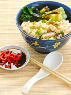 Rice cooker chicken rice...must try this soon!