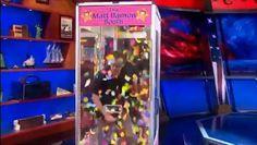 Regarder la vidéo «Colbert Dances to Daft Punk's Get Lucky HD» envoyée par daftworld sur Dailymotion.