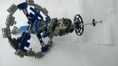 Dit is de Yggdrasil, een interstellair ruimteschip. Het heeft een ronddraaiende zwaartekrachtsring die is geïnspireerd op echte concepten voor interplanetaire ruimteschepen. De Yggdrasil is vernoemd naar een boom uit de Noorse mythologie. Het ruimteschip heeft twee shuttles voor het transporteren van personeel naar en van kolonies op planeten. Achterop heeft het schip een ionenmotor die wordt aangedreven door de zonnepanelen.