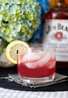 The Belmont Breeze 1 ½ oz. Bourbon 2 oz. lemonade 1 oz. pomegranate juice Combine ingredients in a cocktail shaker with ice. Strain over ice into a rocks glass. Garnish with a lemon wedge or cherry.